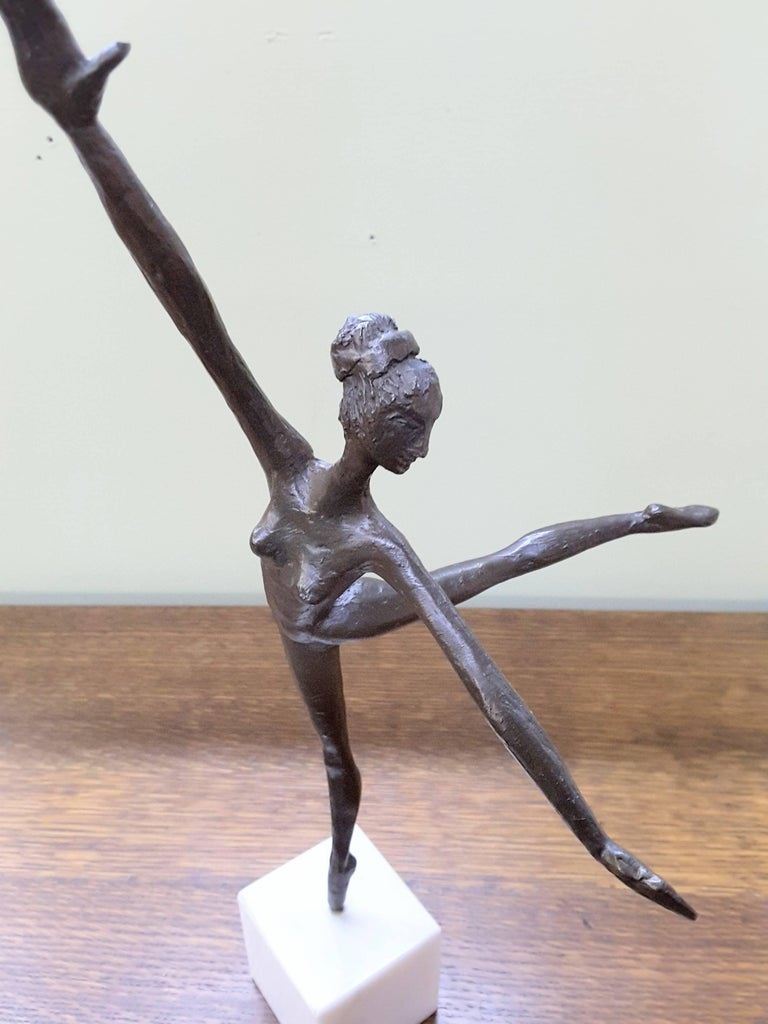 Bronze Ballerina on Marble Base Almuth Lutkenhaus In Excellent Condition For Sale In Ottawa, Ontario