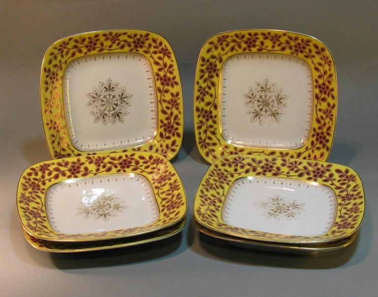 Six Unusual Rounded Square Porcelain Plates, 19th Century In Good Condition For Sale In Ottawa, Ontario
