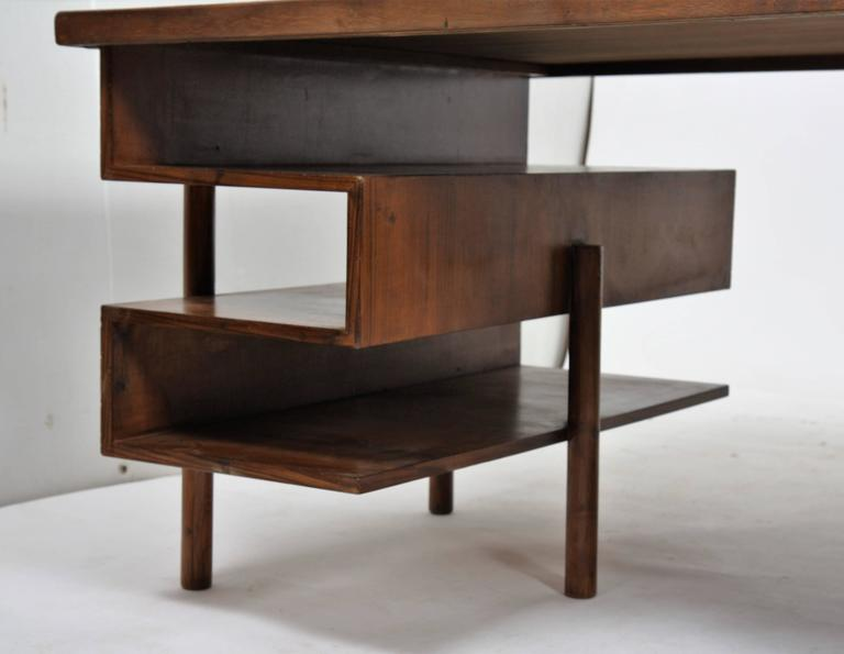 Pierre Jeanneret Rare and Exceptional Administrative Office Desk In Good Condition For Sale In Altwies, LU