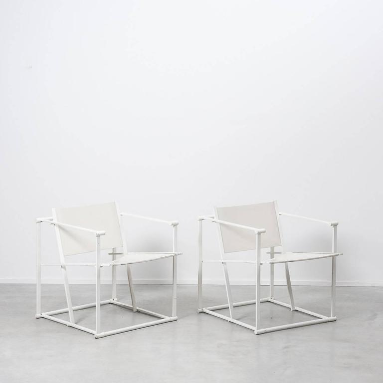 Radboud Van Beekum white FM61 cube chairs for Pastoe, Netherlands, 1982. A geometric chair constructed from white folded steel with white ply seating. Following in the tradition of the De Stijl movement, the FM60 series (FM60-FM62) was inspired by