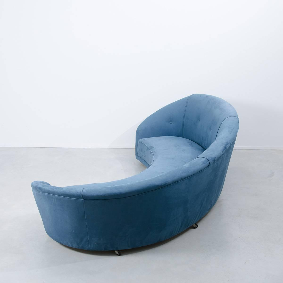 Mid Century Blue Curved Sofa 1970s at 1stdibs : C074Bluecurvedsofa3z from www.1stdibs.com size 1200 x 1200 jpeg 42kB