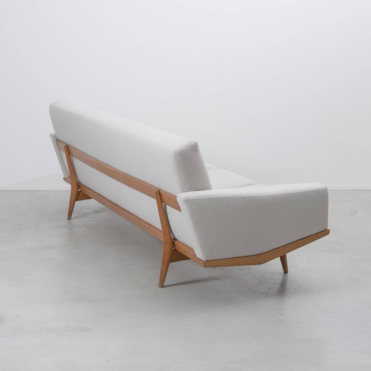 hw klein 221 four seat danish sofa for n a j rgensens. Black Bedroom Furniture Sets. Home Design Ideas