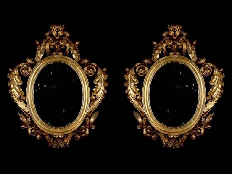 Pair of Italian Giltwood Mirrors, circa 1790 For Sale 3