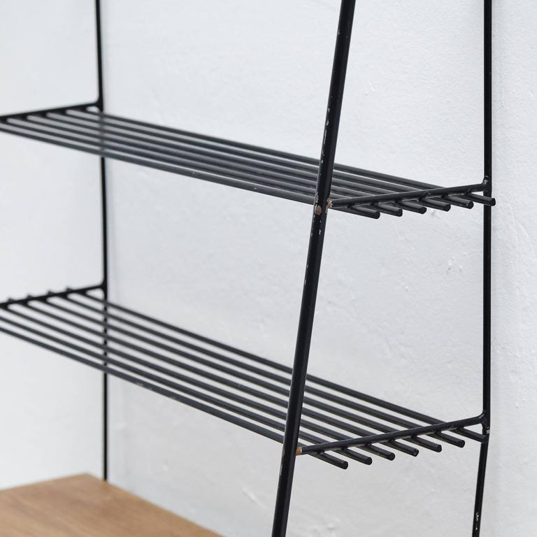 Shelve in the Style of Mategot, circa 1950 In Good Condition For Sale In Barcelona, Barcelona