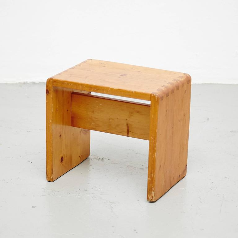 Set of Twenty Charlotte Perriand Stool for Les Arcs In Good Condition For Sale In Barcelona, ES