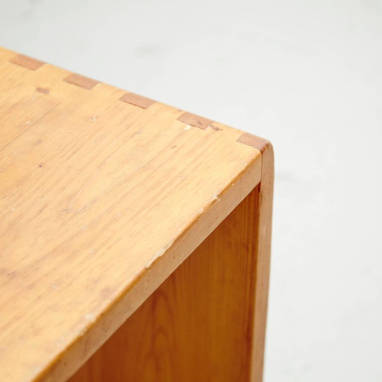 Pine Set of Twenty Charlotte Perriand Stool for Les Arcs For Sale