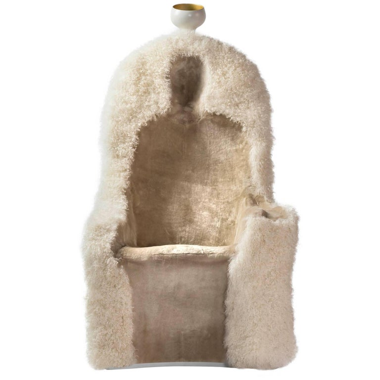 Salvador Dali, Contemporary, Limited Edition 'Invisible Personage' Armchair  In New Condition For Sale In Barcelona, Barcelona