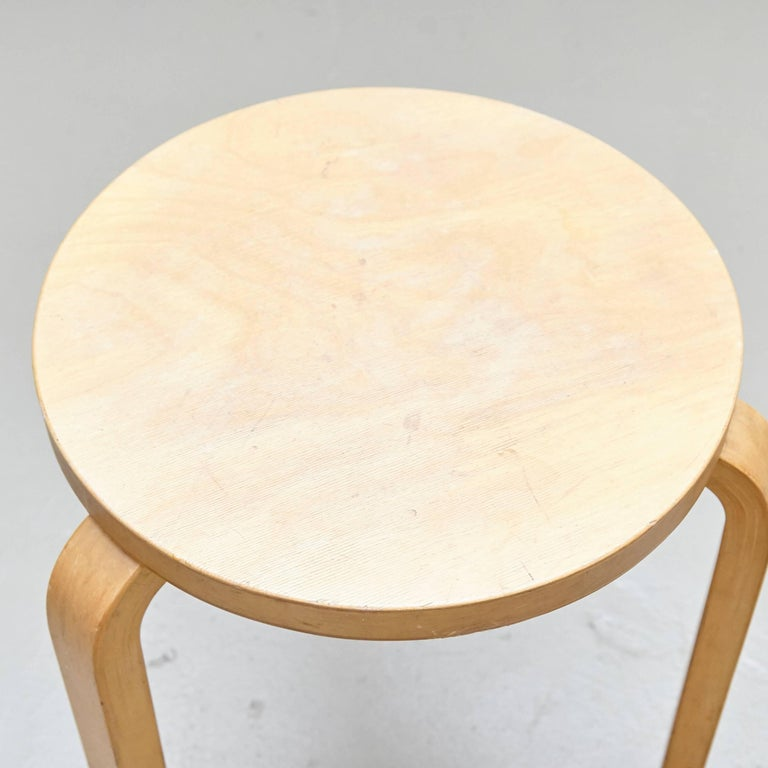 Alvar Aalto Stool In Good Condition For Sale In Barcelona, Barcelona