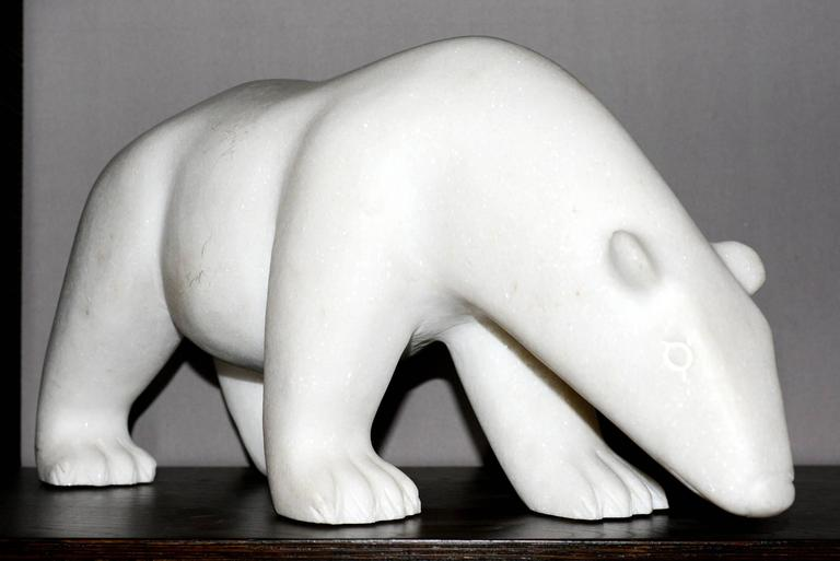 Sculpture White Bear in Marble.
