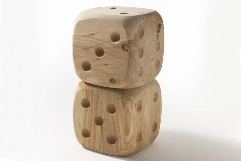 Dice Stool in Natural Solid Cedar Wood In Excellent Condition For Sale In Paris, FR