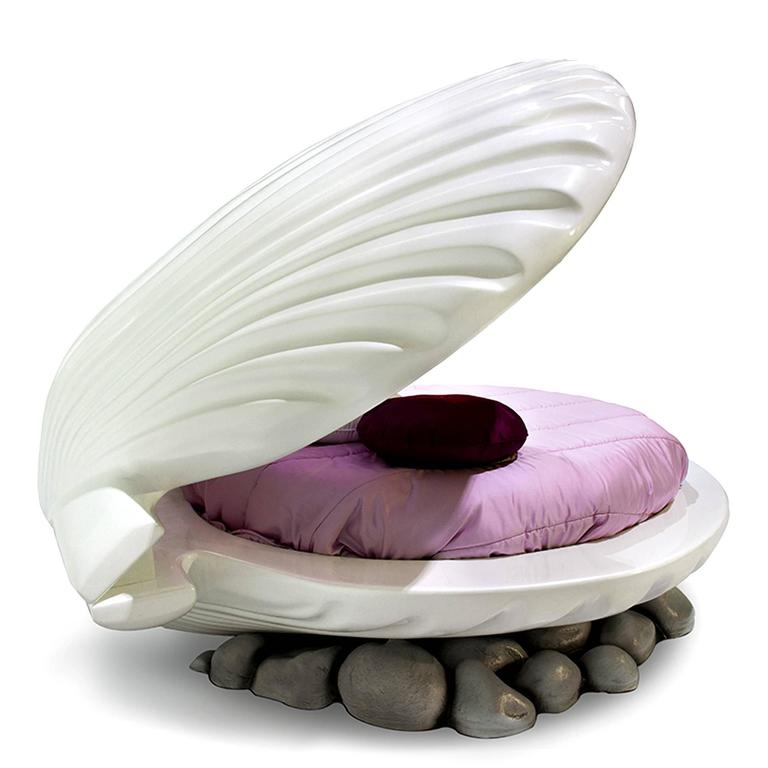 Shell Bed for Little Girl Bedroom Nacre Painted 4