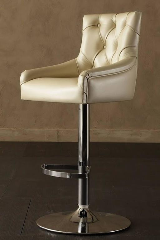 Catana Bar Stool in Polished Steel with Leather seat  In Excellent Condition For Sale In Paris, FR