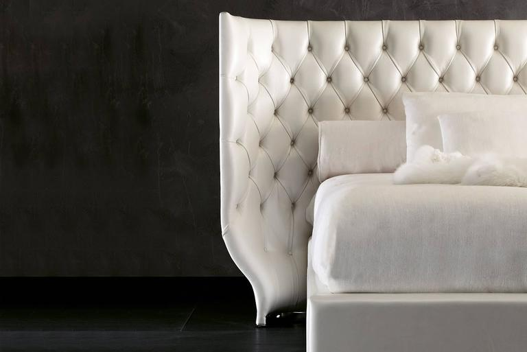 Hand-Crafted Agra Bed in Fabric and Headboard with Fabric Matelasse For Sale