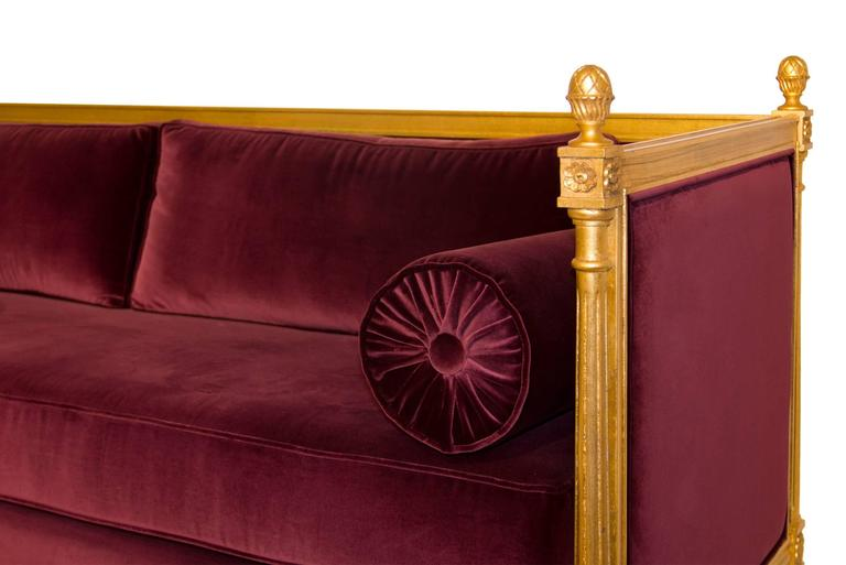 New Castle Sofa with Cotton Velvet Fabric and Aged Golden Leaf In Excellent Condition For Sale In Paris, FR