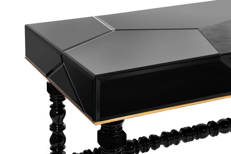 Queen Desk with Black Lacquered Mirror and Leather Top Gold Leaf Details In New Condition For Sale In Paris, FR