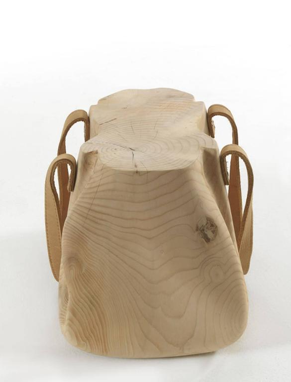 Bag Stool in Solid Natural Cedar Wood Hand-Carved with Leather In Excellent Condition For Sale In Paris, FR
