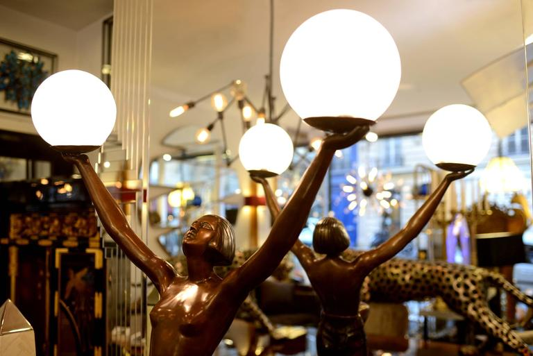 Blackened Lady Table Lamp in Bronze on Marble Base For Sale