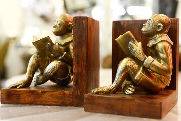 Hand-Carved Monkeys Readers Bookends Set of Two in Bronze For Sale