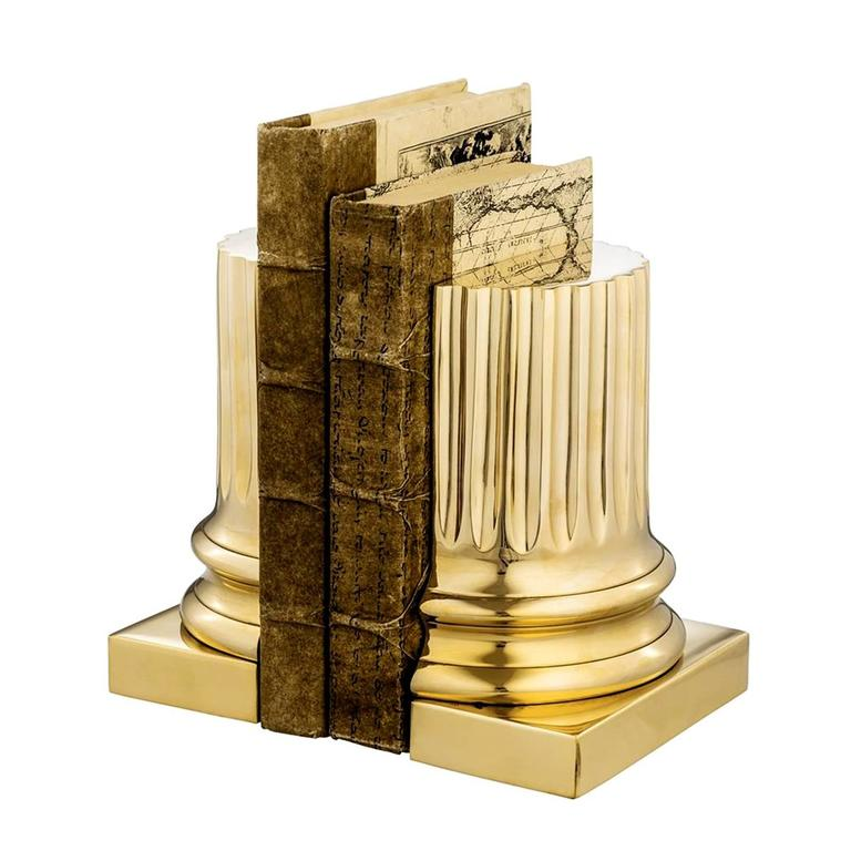 Bookend column brass in polished brass finish. Ideal to decorate your shelves. Also available in polished nickel or bronze finish.
