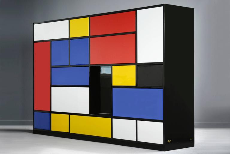 Sideboard Le Mondrian with structure in MDF water repellent 22mm. Lacquered with epoxy high glossy black finish. Contains 16 adjustable drawers lacquered and ironed. All drawers can be switched. Invisible  drawer slides. Limited and numerated