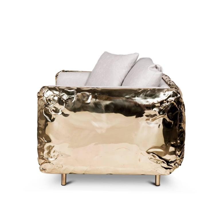 Gold Safe Armchair with Hammered Polished Brass In New Condition For Sale In Paris, FR
