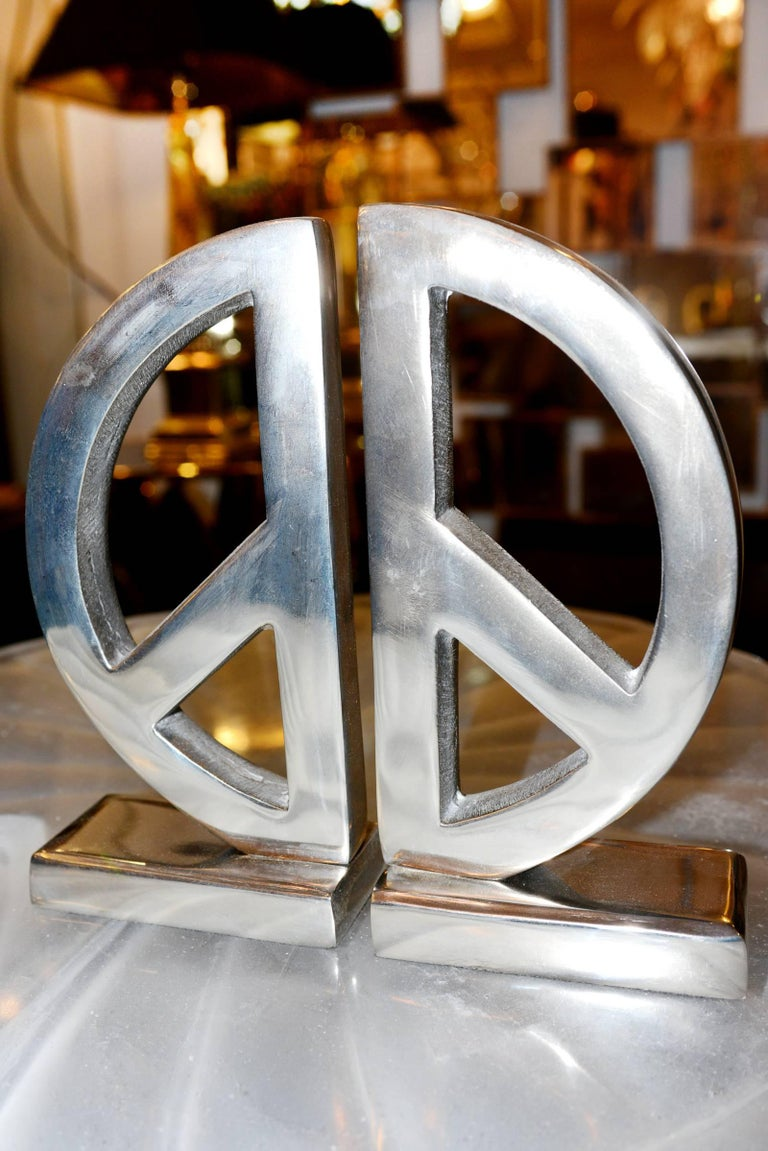 French Peace and Love Set of Two Bookends in Aluminium For Sale