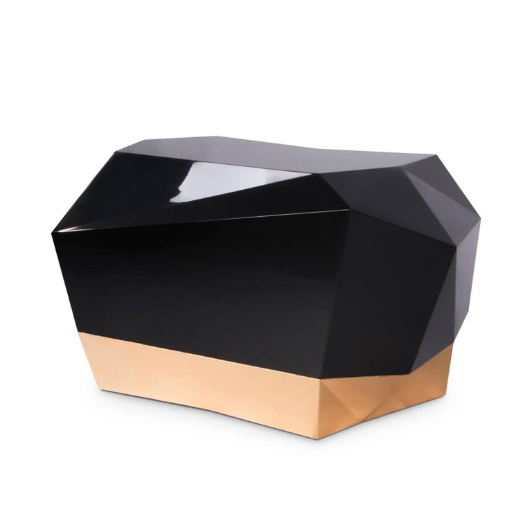 Nightstand Fortnox with structure in solid wood, 