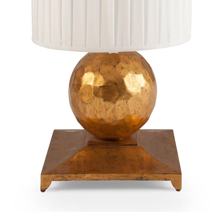Turner Table Lamp in Oro Nero Gold Finish In Excellent Condition For Sale In Paris, FR