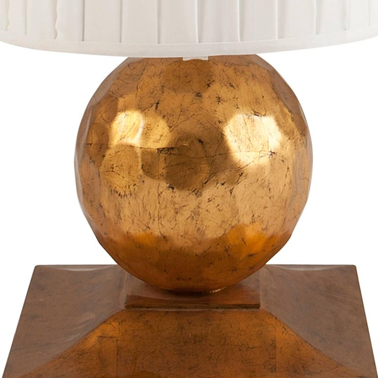 Turner Table Lamp in Oro Nero Gold Finish For Sale 1