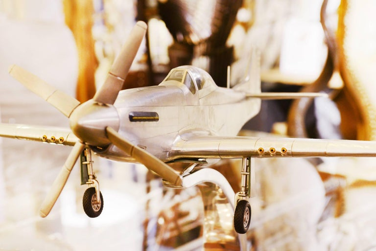 Mustang P51 Aircraft Model in Aluminium Foil In Excellent Condition For Sale In Paris, FR