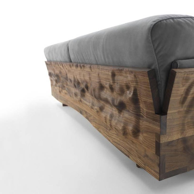 Extreme Wood Sofa in Solid Walnut Wood and Genuine Grey Leather In Excellent Condition For Sale In Paris, FR