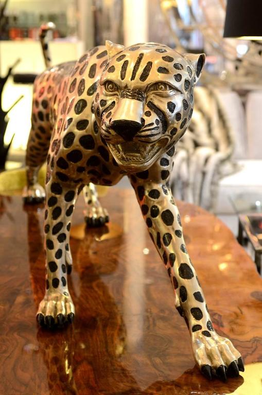 Cheetah in black and silvered bronze, Real size, signed by J.Carrera. Unit price: 18500,00€