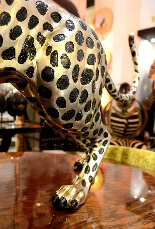 Contemporary Cheetah in Black and Silvered Bronze For Sale