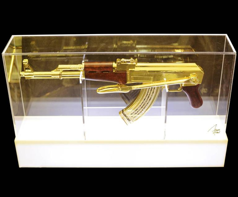 Assault rifle AK-47 in gold finish. Authentic Limited Edition piece,  Numbered 01