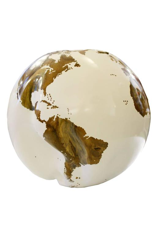 Globe Made in Teak Root in White Finish on Rotative Base In Excellent Condition For Sale In Paris, FR
