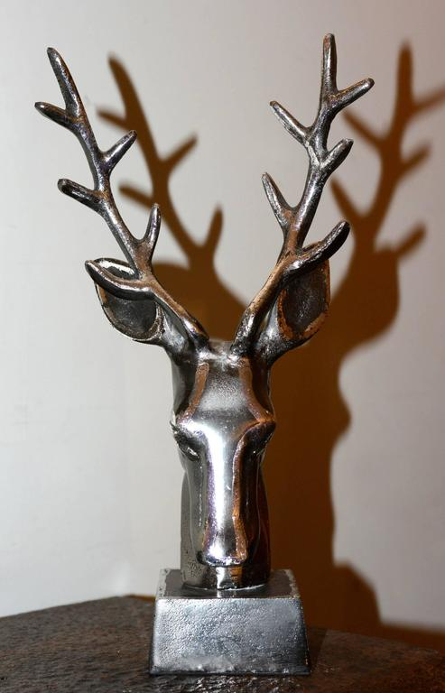 Trophy Dear Hunter in Iron on Base In Excellent Condition For Sale In Paris, FR