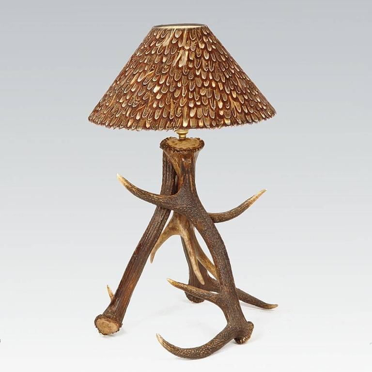 three antlers table lamp with partridge feather lamp shade. Black Bedroom Furniture Sets. Home Design Ideas