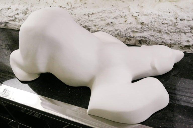 Sculpture Polar Bear, designed piece in white matte resin. Subtle piece. Made in France in 2017.