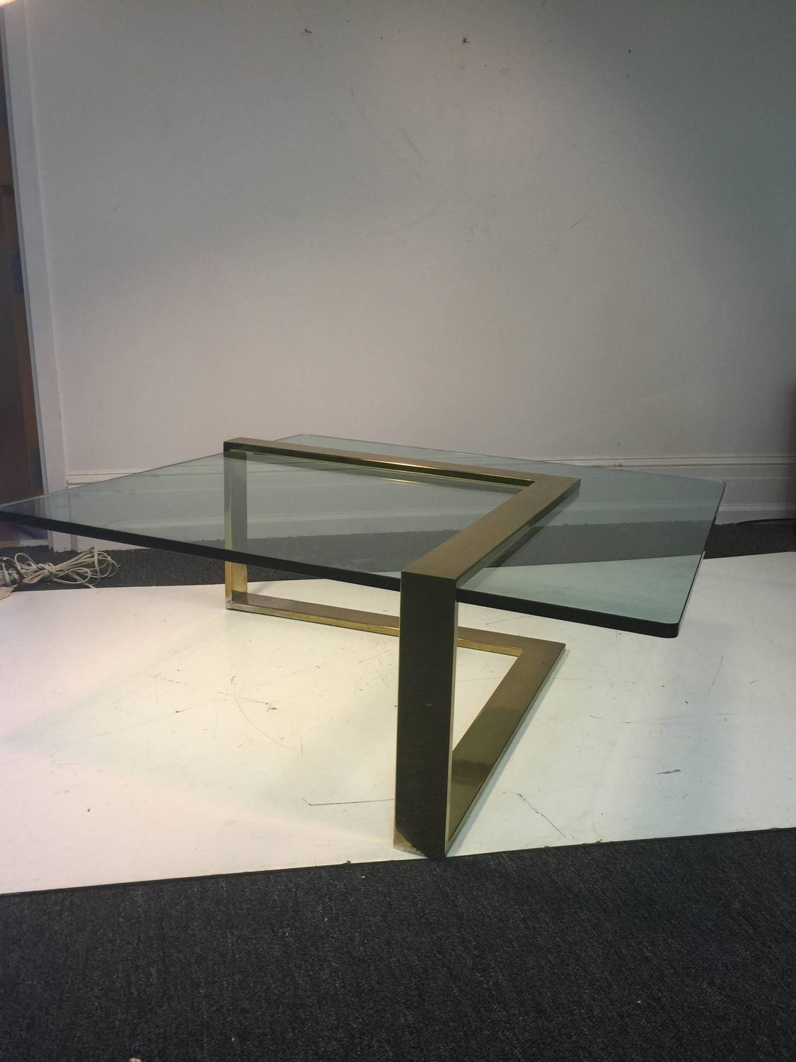 sensational l shape coffee cocktail table in brass by pace collection for sale at 1stdibs. Black Bedroom Furniture Sets. Home Design Ideas