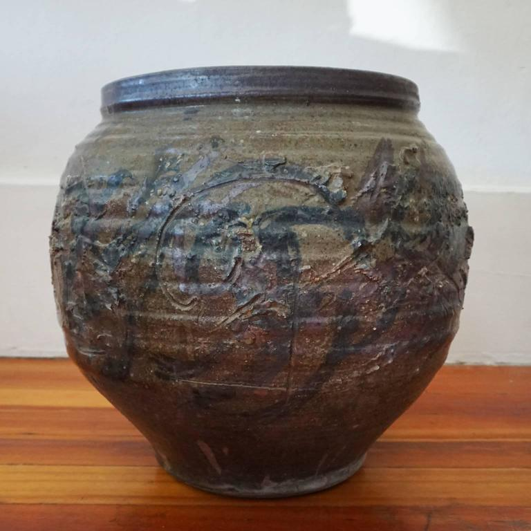 Large abstract expressionist ceramic pot by california ceramicist pete scott incised design and expressive