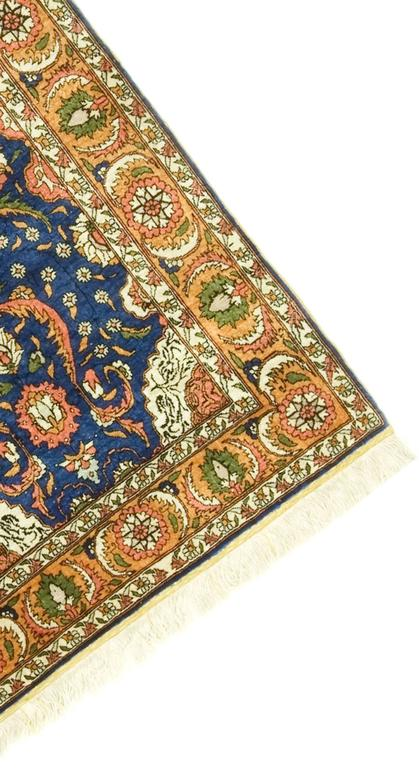 Vintage Turkish Silk Hereke In Excellent Condition For Sale In New York, NY
