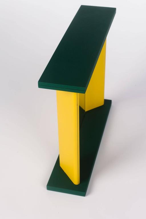 Memphis Green Yellow Table Mirror by Marco Zannini, 1990s In Excellent Condition For Sale In Chicago, IL