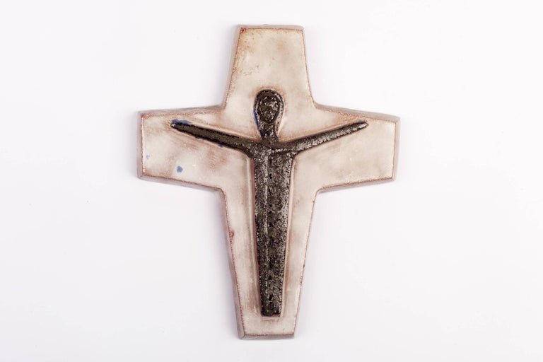 Belgian Wall Crucifix, Hand-Painted Ceramic White, Brown, Fat Lava, Belgium, 1970s For Sale