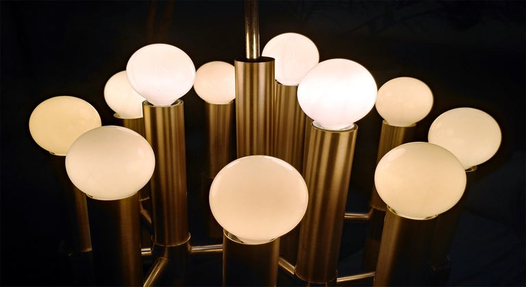 Mid-Century Modern Gaetano Sciolari Twelve-Light Italian Chandelier, Offered by LaPorte For Sale