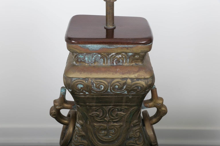 Pair of Bronze Chinoiserie Table Lamps For Sale 4