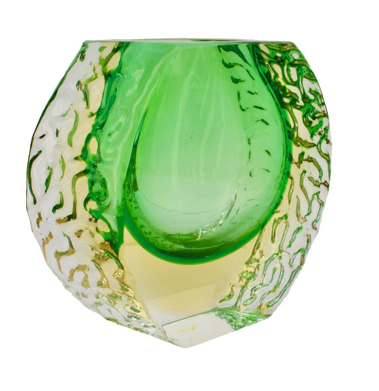 About Textured and faceted Murano Sommerso green and yellow ice glass vase by Alessandro Mandruzzato.  The piece is in excellent condition and a real beauty! Please look at our storefront page to browse our entire collection. Measures:  Height