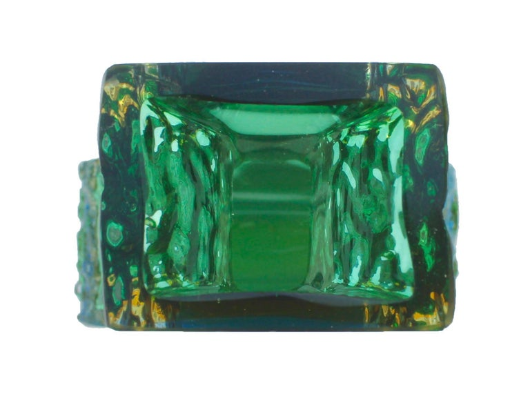 Textured and Faceted Murano Sommerso Green and Yellow Ice Glass Vase For Sale 2