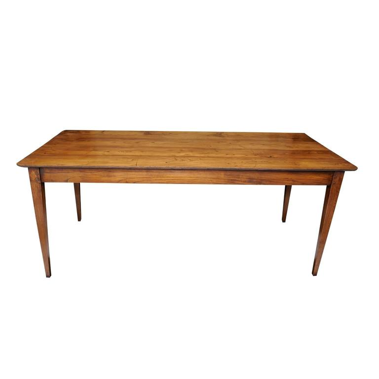 French 19th Century Chestnut Provincial Farmhouse Table, circa 1820