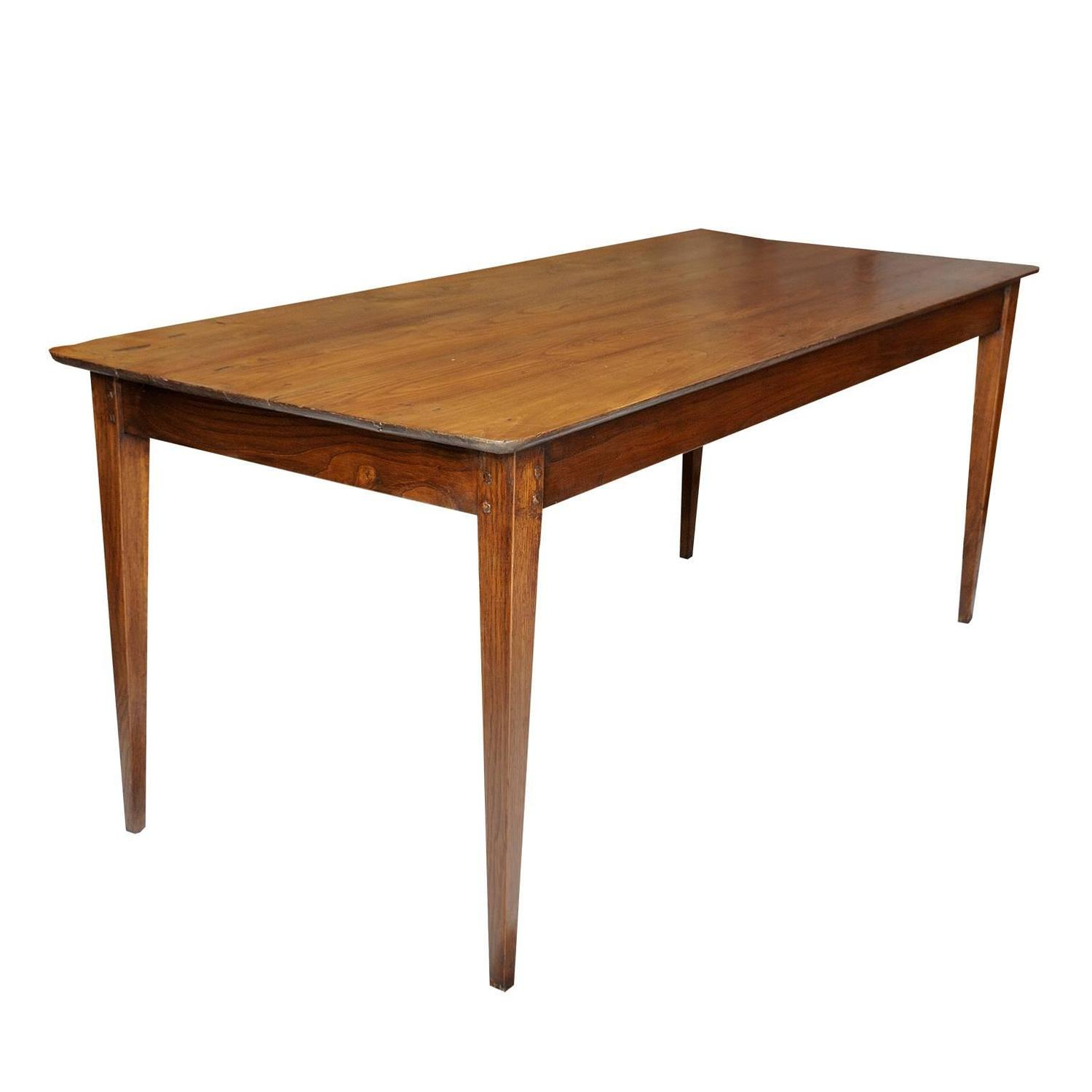 French 19th Century Chestnut Provincial Farmhouse Table circa 1820 For Sale