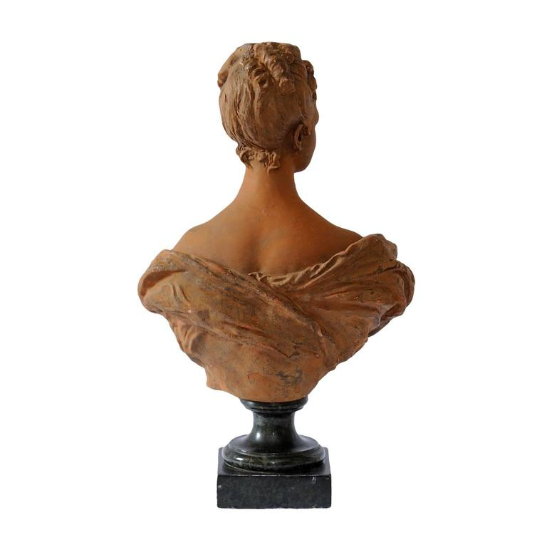 Fine French Terracotta Bust of a Young 18th Century Noble Woman, circa 1860 In Good Condition For Sale In Tetbury, Gloucestershire